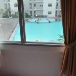 View pool di kamar tidur utama NH Apartment